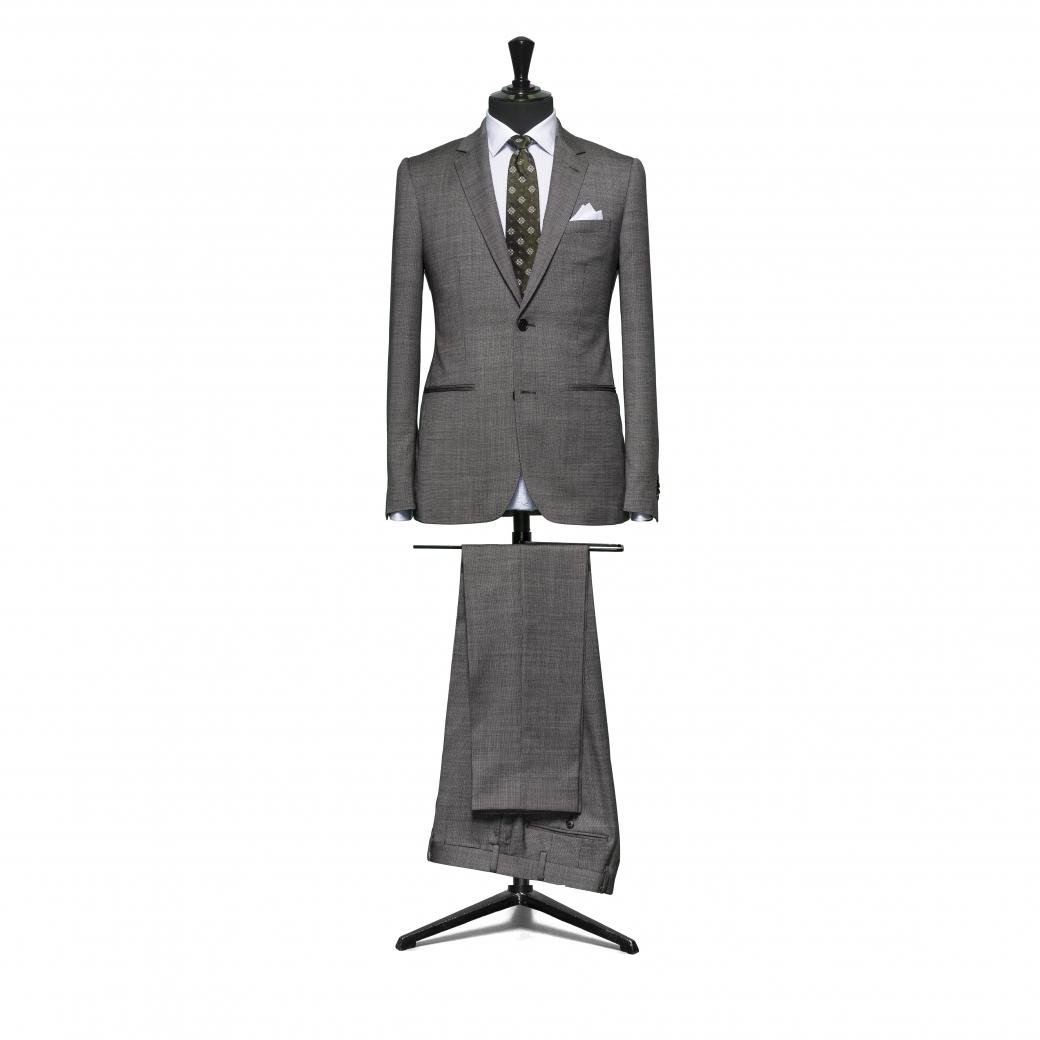 Simple Suit